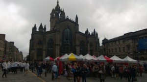 Obligatory picture of people swarming on the Royal Mile.